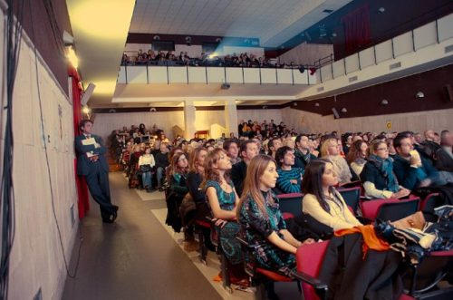 fpdc6-audience-and-people-4jpg-1808658289